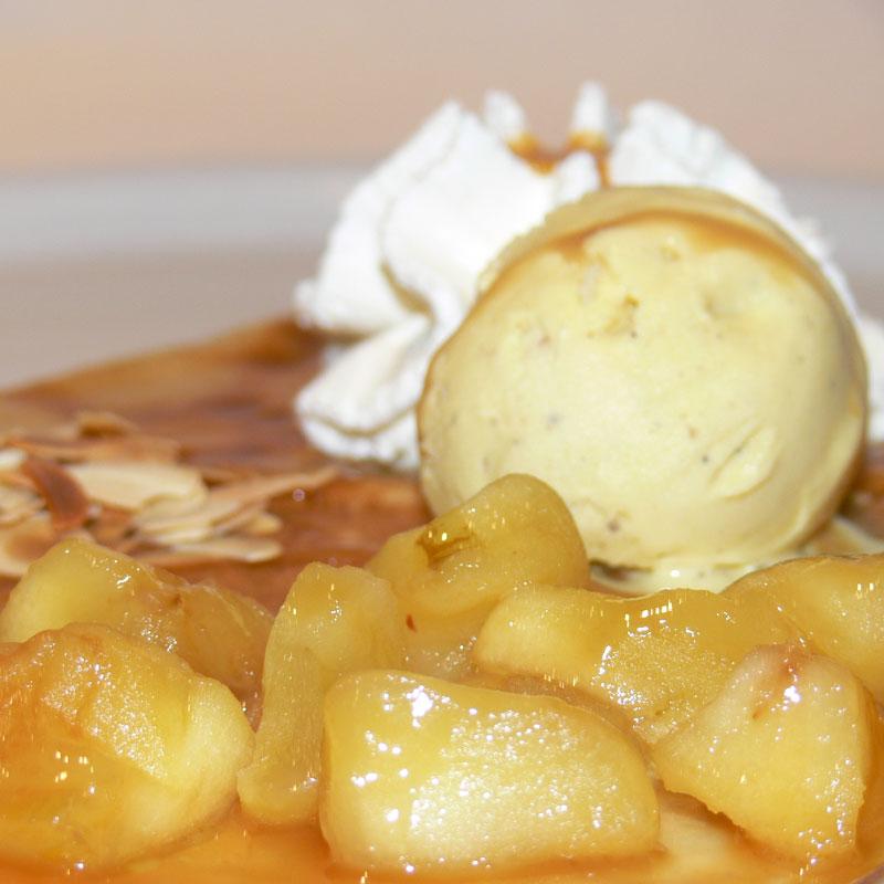 crêpe aux pommes caramélisées